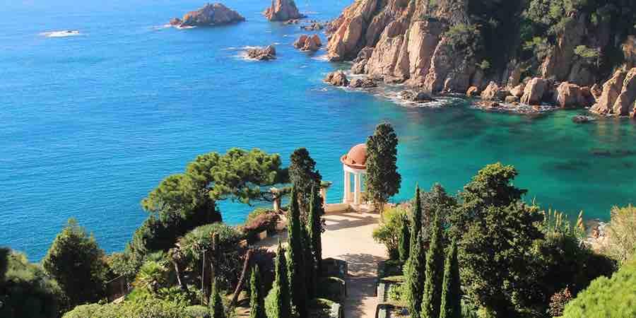 jardin botanico marimurtra en la costa brava